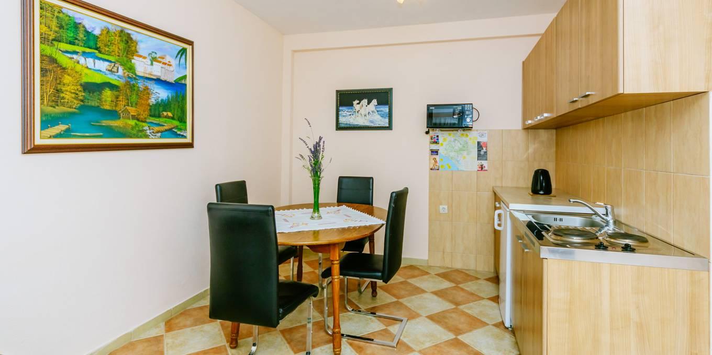 Prostran Apartman (1)