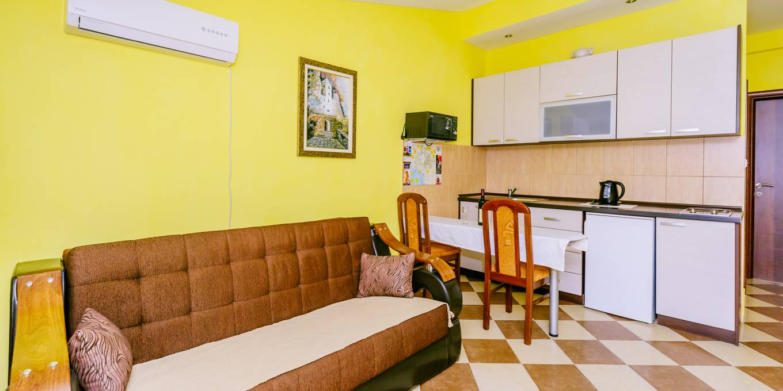 Apartman Sa Terasom (6)